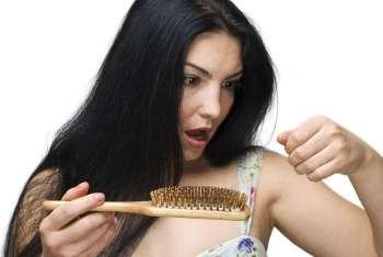 Haarbürste-Haarausfall-1024x685